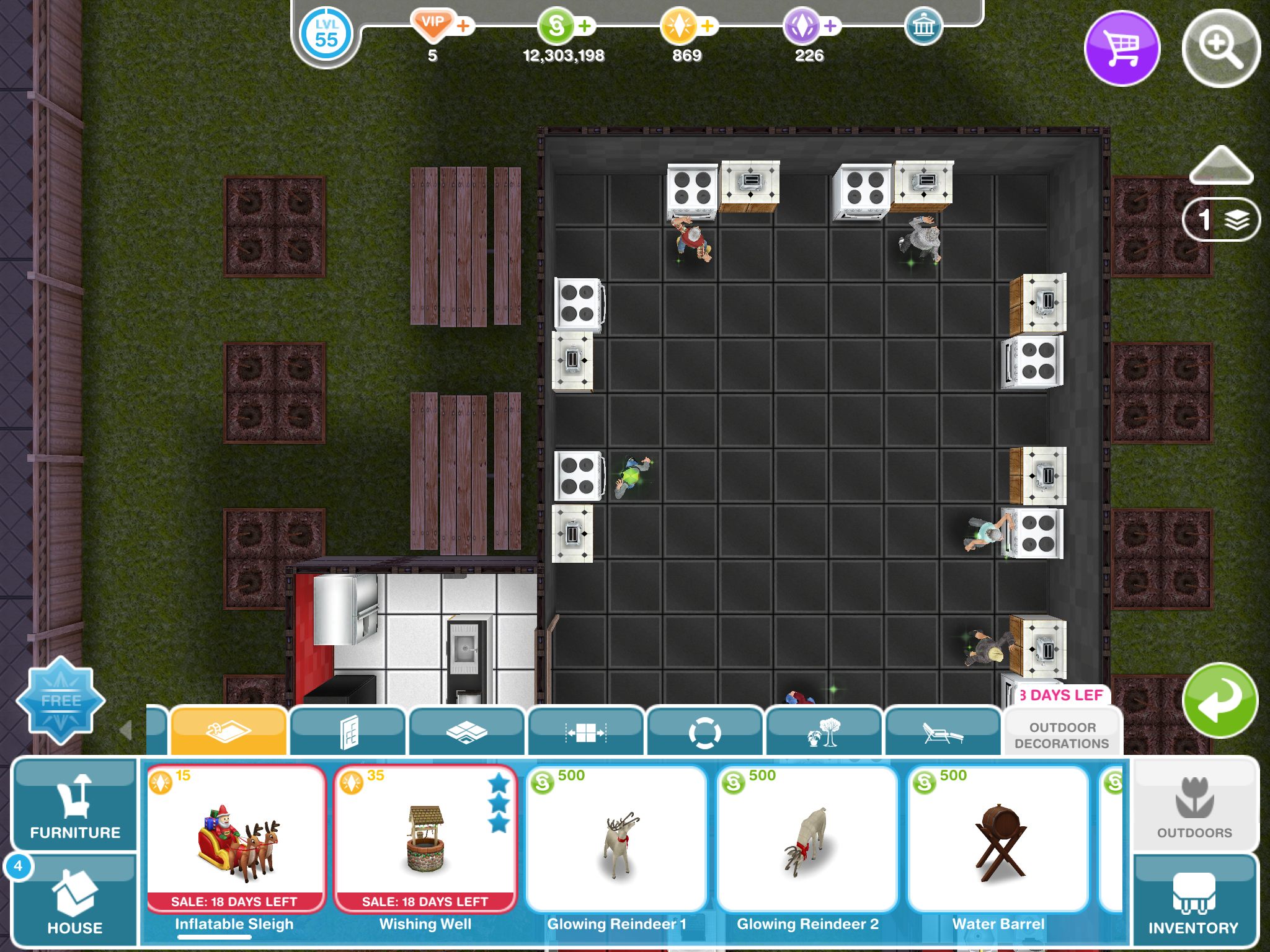 Where Is The Reindeer Light In Sims Free Play Answer Hq