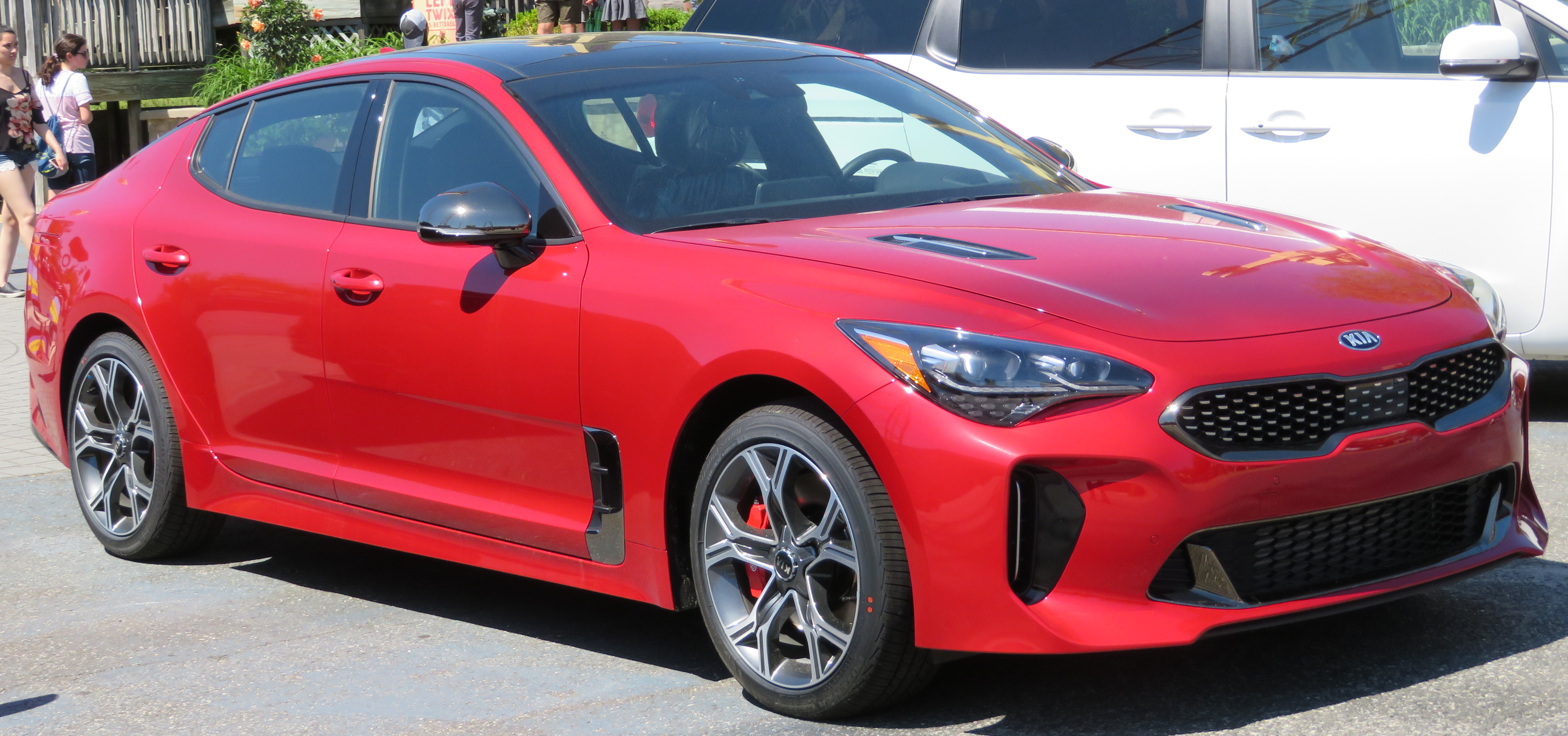 2018_Kia_Stinger_GT2_3.3L_AWD_in_Hichroma_red_front_(2)_5.23.18.jpg